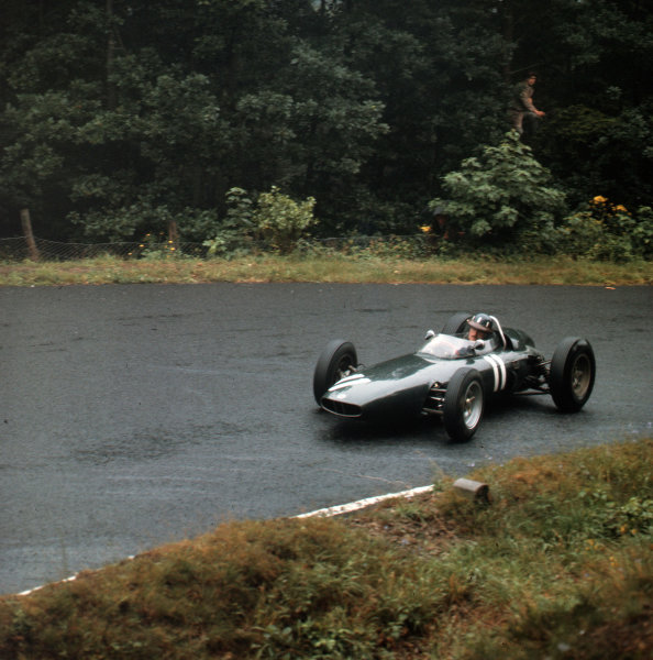Nurburgring, Germany.3-5 August 1962.Graham Hill (BRM P57) 1st position.Ref-3/1696.World Copyright - LAT Photographic