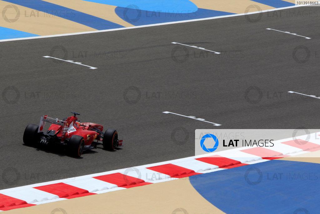 Bahrain International Circuit, Sakhir, Bahrain Friday 19th April 2013 Fernando Alonso, Ferrari F138.  World Copyright: Charles Coates/LAT Photographic ref: Digital Image _X5J2359