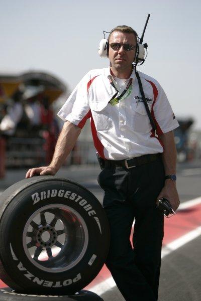 2008 GP2 Series. Round 1. Sunday Race.Barcelona, Spain. 27th April 2008A bridgestone tyre technician. World Copyright: Alastair Staley/GP2 Series Media Service.ref:__MG_6561 jpg
