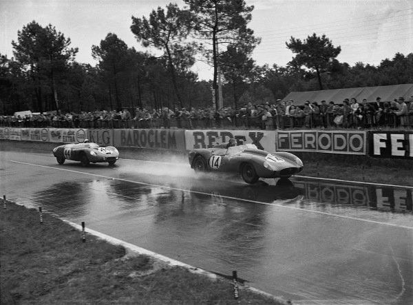 Le Mans, France. 21-22 June 1958 Phil Hill/Olivier Gendebien (Ferrari 250TR), 1st position, leads  Gerard Laurean/Louis Cornet (D.B HBR4 Panhard), 12th position, action World Copyright: LAT PhotographicRef: Autocar Glass Plate  C52663