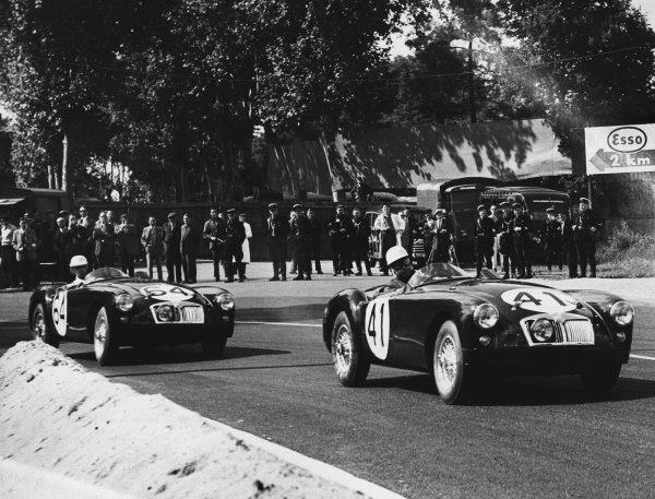 Le Mans, France. 11th - 12th June 1955 Ken Miles/John Lockett (MG A EX 182), 12th position, leads Ted Lund/Hans Waeffler (MG A EX 182), 17th position, action. World Copyright: LAT Photographic Ref: B/W Print.