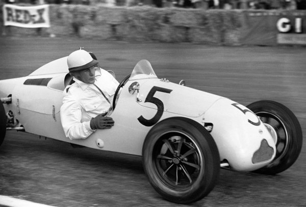 Silverstone, Great Britain. 2nd October 1948.Stirling Moss (Cooper-JAP 500 Mkll), retired, action.World Copyright: LAT Photographic.Ref: