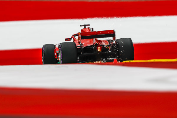 Sebastian Vettel (GER) Ferrari SF-71H sparks