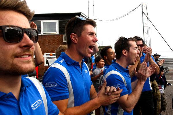 2016 British Formula 4 Championship, Snetterton, Norfolk. 29th - 31st July 2016. The Carlin team celebrate. World Copyright: Ebrey / LAT Photographic.