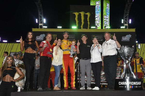#22: Joey Logano, Team Penske, Ford Fusion Shell Pennzoil