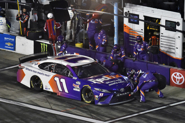 #11: Denny Hamlin, Joe Gibbs Racing, Toyota Camry FedEx