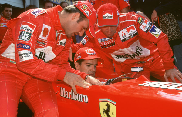 2000 Marlboro Masters F3.Zandvoort, Holland.6 August 2000.Ferrari F1 driver Rubens Barrichello with WRC driver Tommi Makinen and motorbike star Carlos Checa.World - Spinney/LAT Photographic