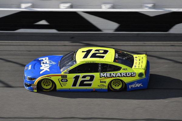 #12: Ryan Blaney, Team Penske, Ford Mustang Menards/Peak