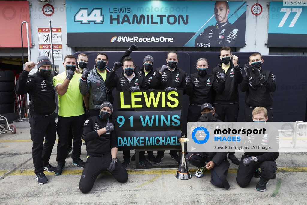 Lewis Hamilton, Mercedes-AMG Petronas F1, 1st position, and the Mercedes team celebrate after securing 91 race wins for Lewis, equalling the record of Michael Schumacher