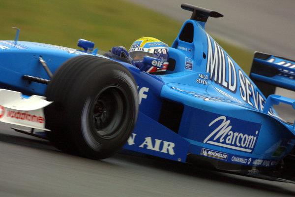 2001 Formula One Testing.Silverstone, England.18th September 2001.Mark Webber (Benetton B201 Renault).World Copyright: Lorenzo Bellanca/LAT Photographicref: Digital Image Only