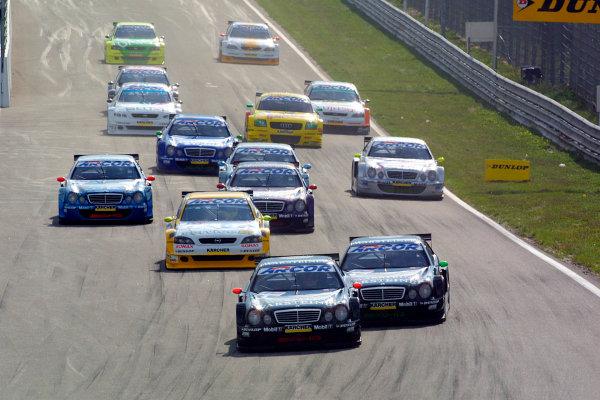 2001 DTM ChampionshipZandvoort, Holland. 22nd - 23rd September 2001.Eventual race winner Uwe Alzen (Warsteiner AMG Mercedes) leads team mate Marcel Fassler, at the start of the race.World Copyright: Peter Spinney/LAT Photographicref: 8 5mb Digital Image Only