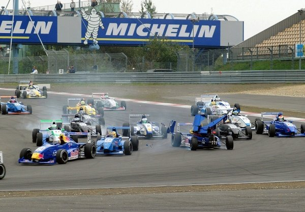Hannes Lachinger (AUT) ma-con Racing, suffers damage in a first corner incident.German Formula Renault Championship, Rd6, Races 11 and 12, Nurburgring, Germany. 22 September 2002.DIGITAL IMAGE