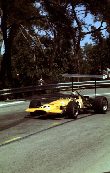 1969 Spanish Grand Prix.Monjuich Park, Barcelona, Spain.2-4 May 1969.Bruce McLaren (McLaren M7A Ford) 2nd position.Ref-69 ESP 07.World Copyright - LAT Photographic