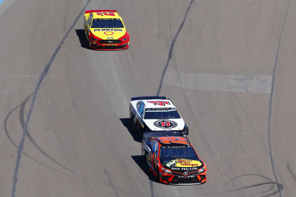 #19: Martin Truex Jr., Joe Gibbs Racing, Toyota Camry Bass Pro Shops and #4: Kevin Harvick, Stewart-Haas Racing, Ford Mustang Jimmy John's