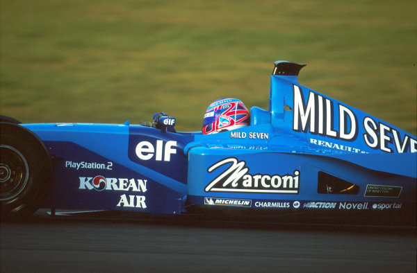 Silverstone, England. 20th - 22nd February 2001.Jenson Button, Benetton Renault, action.World Copyright: Elford / LAT Photographicref - 35mm Image A04