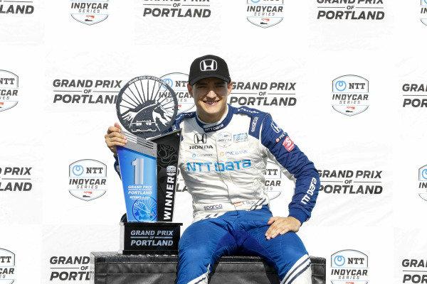 #10: Alex Palou, Chip Ganassi Racing Honda celebrates on the podium