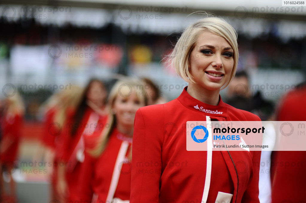 Santander girls. Formula One World Championship, Rd9, British Grand Prix, Race, Silverstone, England, Sunday 8 July 2012.