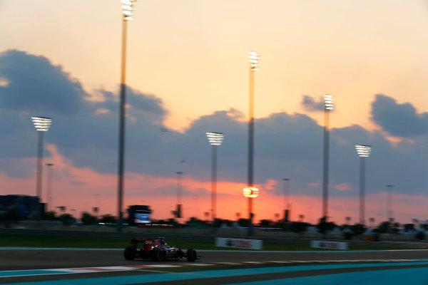 Yas Marina Circuit, Abu Dhabi, United Arab Emirates. Friday 27 November 2015. Carlos Sainz Jr, Toro Rosso STR10 Renault. World Copyright: Charles Coates/LAT Photographic ref: Digital Image _99O7169