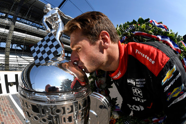 Winner, Will Power, Team Penske Chevrolet with Borg-Warner TrophyWinner Will Power, Team Penske Chevrolet and team