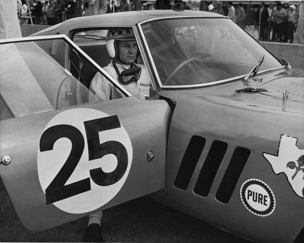 Le Mans, France. 20th - 21st June 1964.Innes Ireland / Tony Maggs (Ferrari 250 GTO), 6th position, portrait.World Copyright: LAT PhotographicRef: B/W Print.