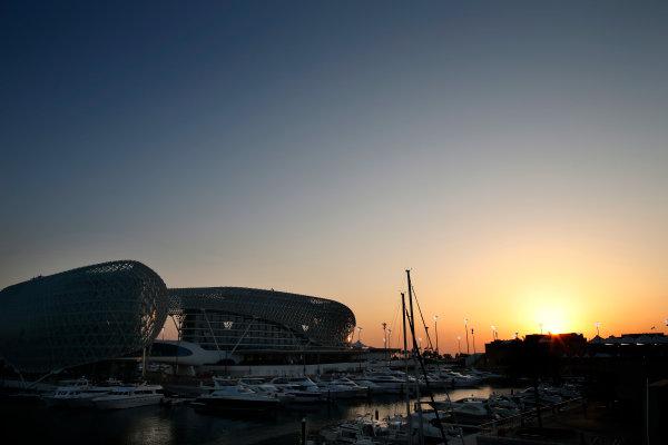 Yas Marina Circuit, Abu Dhabi, United Arab Emirates. Thursday 20 November 2014. Sunset over the circuit. World Copyright: Glenn Dunbar/LAT Photographic. ref: Digital Image _W2Q3730
