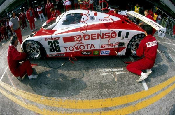 Johnny Dumfries (GBR) TOM'S Toyota 90 CV makes a pit stop.World Sportscar Championship, 1990.BEST IMAGE