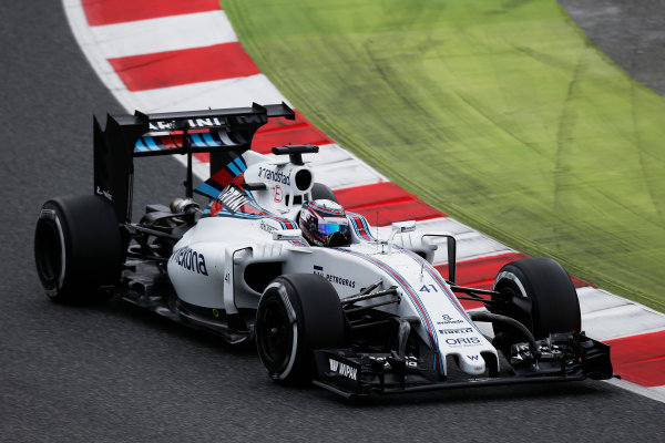 Circuit de Catalunya, Barcelona, Spain. Tuesday 17 May 2016. Alex Lynn, Williams FW38 Mercedes, tests a new rear wing. Photo: Sam Bloxham/LAT Photographic. ref: Digital Image _L4R1995