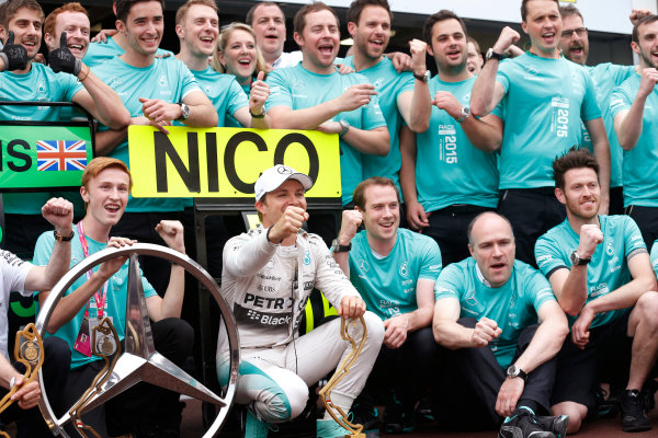 Monte Carlo, Monaco. Sunday 24 May 2015. Nico Rosberg, Mercedes AMG, 1st Position, celebrates victory with his team. World Copyright: Alastair Staley/LAT Photographic. ref: Digital Image _R6T2538
