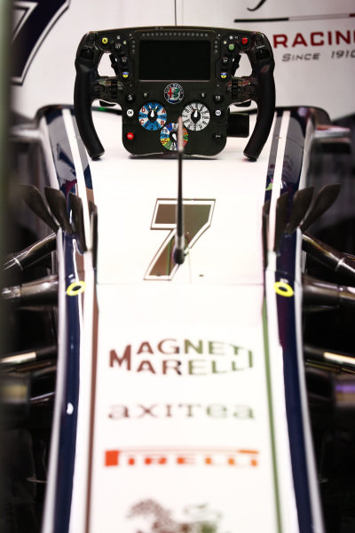 Kimi Raikkonen, Alfa Romeo Racing C38, steering wheel detail