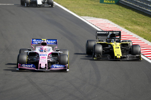 Lance Stroll, Racing Point RP19, leads Daniel Ricciardo, Renault R.S.19