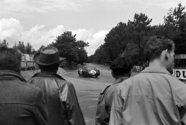 Peter Jopp / Percy Crabb, Peerless Cars, Peerless GT Coupe - Triumph TR3.