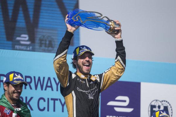 Jean-Eric Vergne (FRA), TECHEETAH, Renault Z.E. 17, wins.