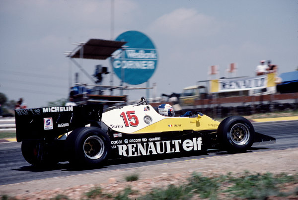 1983 South African Grand Prix.Kyalami, South Africa.13-15 October 1983.Alain Prost (Renault RE40).Ref-83 SA 29.World Copyright - LAT Photographic