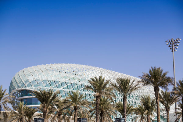 2017 FIA Formula 2 Round 11. Yas Marina Circuit, Abu Dhabi, United Arab Emirates. Thursday 23 November 2017. Yas Viceroy Abu Dhabi Hotel Photo: Sam Bloxham/FIA Formula 2. ref: Digital Image _J6I0924