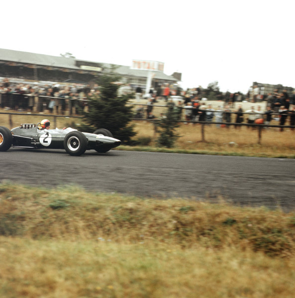 Nurburgring, Germany.31/7-2/8 1964.Mike Spence (Lotus 33 Climax) 8th position.Ref-3/1377.World Copyright - LAT Photographic