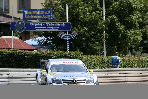 Ralf Schumacher (GER), Laureus AMG Mercedes C-Klasse (2009) takes Pole Position.DTM, Rd4, Norisring, Nuremberg, Germany. 2-4 July 2010 World Copyright: LAT PhotographicRef: Digital Image dne1003jy96