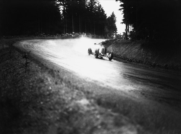 Nurburgring, Germany. 19th July 1931. Hans Stuck (Mercedes-Benz SSKL), 6th position, action.  World Copyright: LAT Photographic. Ref:  Autocar Glass Plate B6811