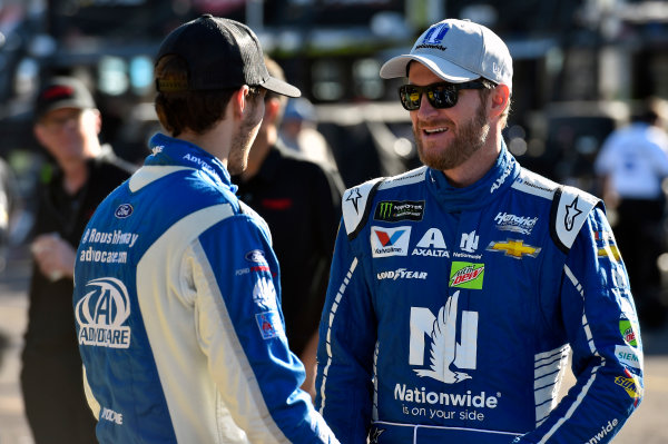 Monster Energy NASCAR Cup Series Can-Am 500 Phoenix Raceway, Avondale, AZ USA Saturday 11 November 2017 Dale Earnhardt Jr, Hendrick Motorsports, Nationwide Chevrolet SS and Trevor Bayne, Roush Fenway Racing, Ford EcoBoost Ford Fusion World Copyright: Nigel Kinrade LAT Images