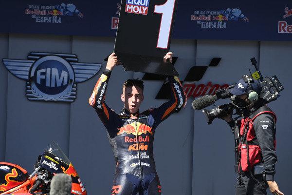 Race winner Pedro Acosta, Red Bull KTM Ajo.