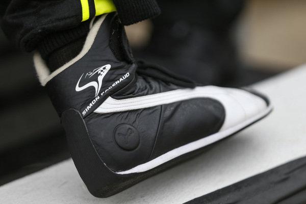 #22: Simon Pagenaud, Team Penske Chevrolet, Shoe