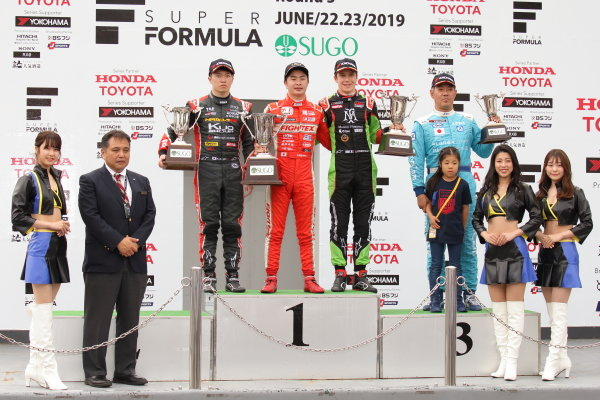 Rd10 Winner Toshiki Oyu, TODA FIGHTEX Dallara F319 Toda, celebrates on the podium with Ritomo Miyata, Corolla Chukyo Kuo TOM'S Dallara F317 Toyota TOM's,  2nd position, and Sacha Fenestraz, B-Max Racing with Motopark F3 Dallara F314 Volkswagen A41, 3rd position