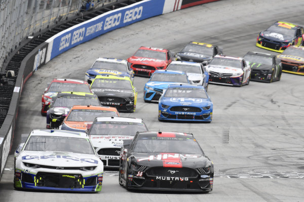 #13: Ty Dillon, Germain Racing, Chevrolet Camaro GEICO, #14: Clint Bowyer, Stewart-Haas Racing, Ford Mustang Haas Automation