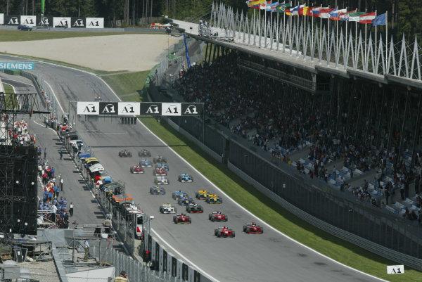 2002 F3000 ChampionshipA1-Ring, Austria. 11th May 2002.Race start.World Copyright: LAT Photographicref: Digital Image Only
