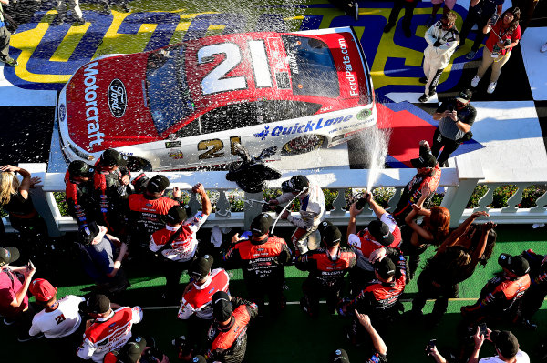 Monster Energy NASCAR Cup Series AXALTA presents the Pocono 400 Pocono Raceway, Long Pond, PA USA Sunday 11 June 2017 Ryan Blaney, Wood Brothers Racing, Motorcraft/Quick Lane Tire & Auto Center Ford Fusion wins. World Copyright: Rusty Jarrett LAT Images ref: Digital Image 17POC1rj_3669