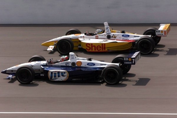 Team Rahal team mates Kenny Brack (SWE) and Max Papis (ITA) managed to take each other out in a high speed accident fifteen laps from the end. Michigan 500, Brooklyn, Milwaukee, USA, 22 July 2001.