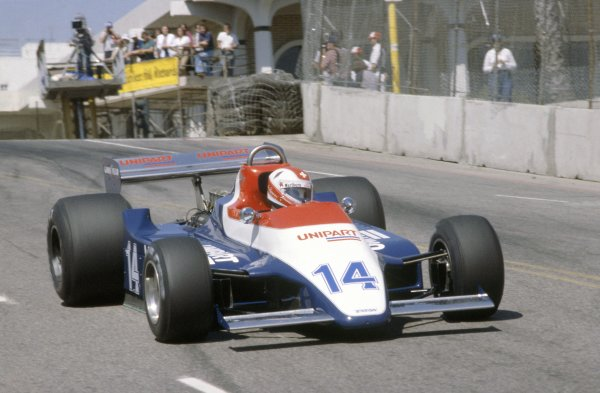 1980 United States Grand Prix West.Long Beach, California, USA. 28-30 March 1980.Clay Regazzoni (Ensign N180-Ford Cosworth), accident.World Copyright: LAT PhotographicRef: 35mm transparency 80LB31