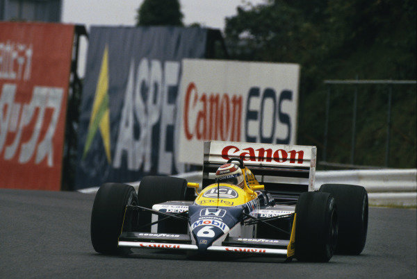Suzuka, Japan. 29th October - 1st November 1987.Nelson Piquet (Williams FW11 Honda), retired, action.World Copyright - LAT Photographic