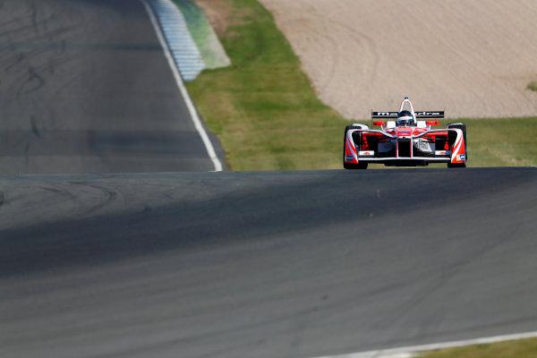 FIA Formula E Season 3 Testing - Day Two. Donington Park Racecourse, Derby, United Kingdom. Nick Heidfeld, Mahindra Racing, Spark-Mahindra. Wednesday 24 August 2016. Photo: Adam Warner / LAT / FE. ref: Digital Image _L5R0337