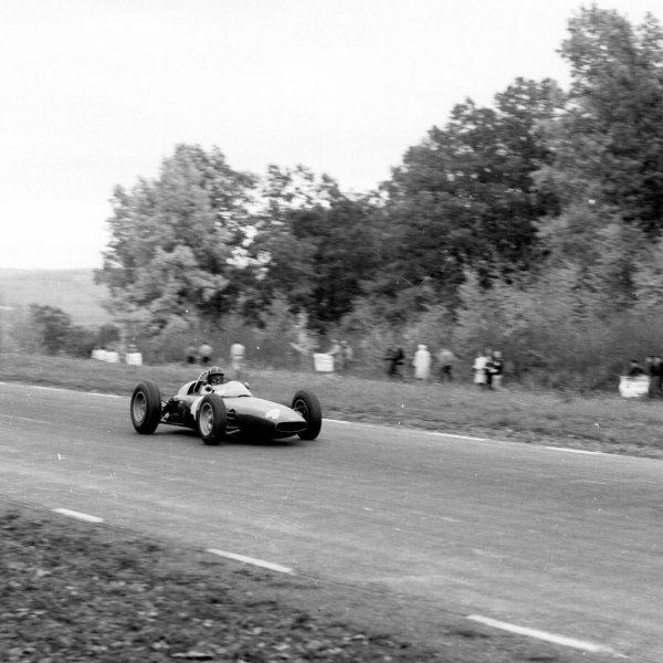1962 United States Grand Prix.Watkins Glen, New York, USA.5-7 October 1962.Graham Hill (BRM P57) 2nd position.Ref-16144.World Copyright - LAT Photographic