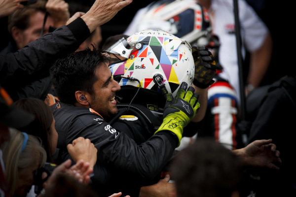 Race winner Jack Aitken (GBR, CAMPOS RACING) celebrates in parc ferme with his team